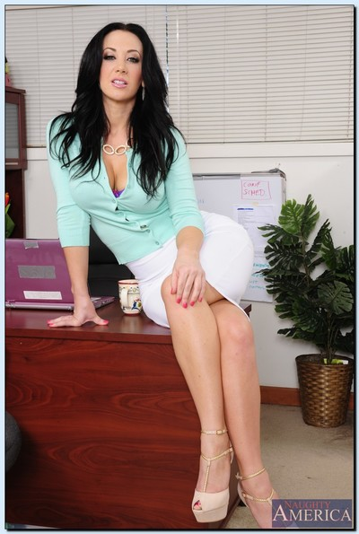 Office vixen Jayden Jaymes undressing and teasing her slit at her workplace