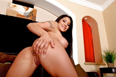 Hot latina wife Jenaveve Jolie erotic dancing from jeans and posing solo
