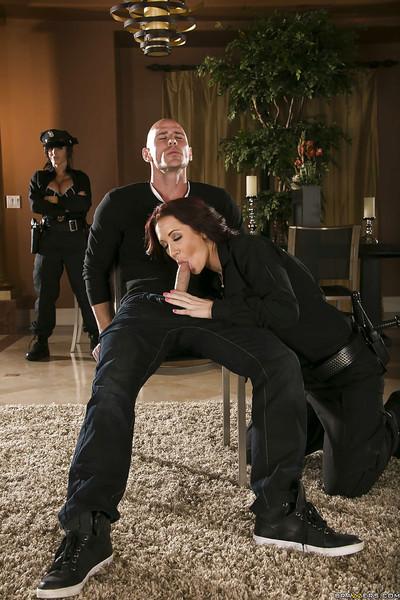 Curvy beauties in police uniform Jayden Jaymes & Jenna Presley share a hard cock