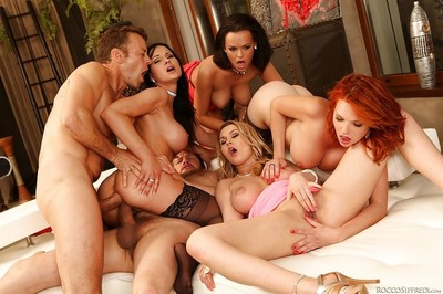 Smoking hot pornstars take part in a groupsex with twofold wellhung boys