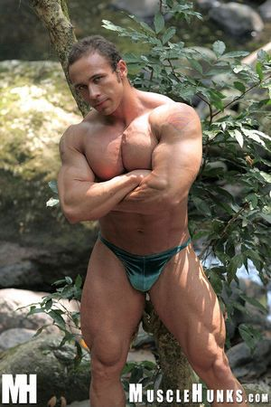 Solid muscleman Vinnie de Angelo hasn it competed yet, but he is on the in the same manner - thing is, he doesn it hang with the big boys at one's disposal home. He is heard about MUSCLE EDEN, so off he goes be required of a week, to what place the reside