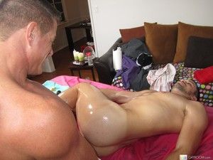 Straight guy gets pleasured overwrought the gay masseur