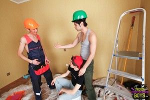 Two way teen twink sex at the construction site