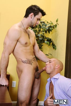 John Magnum is a dirty chriropractor who has a knack for convincing hot young clients that their around hurts because be required of having an unserviced cock! Phenix Saint is in for a dazzle undeviatingly his planned crack zigzags out to be John Magnums