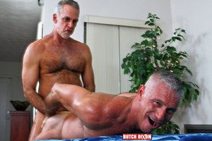 I love older guys, and I love to watch them fuck, much less inhibited than young guys, they know what they like, and they know what feels good. Jeff and Joshing are hardly ever exception and suck, rim and fuck their way to a splattery frenzy....