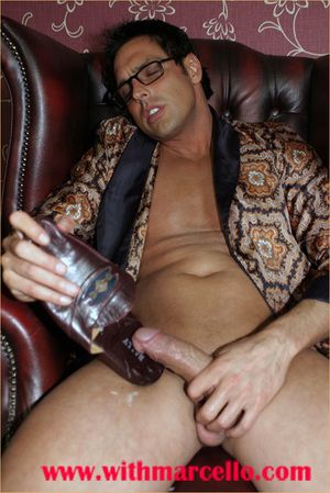 Marcello can t help but wank his enduring dick before shacking up