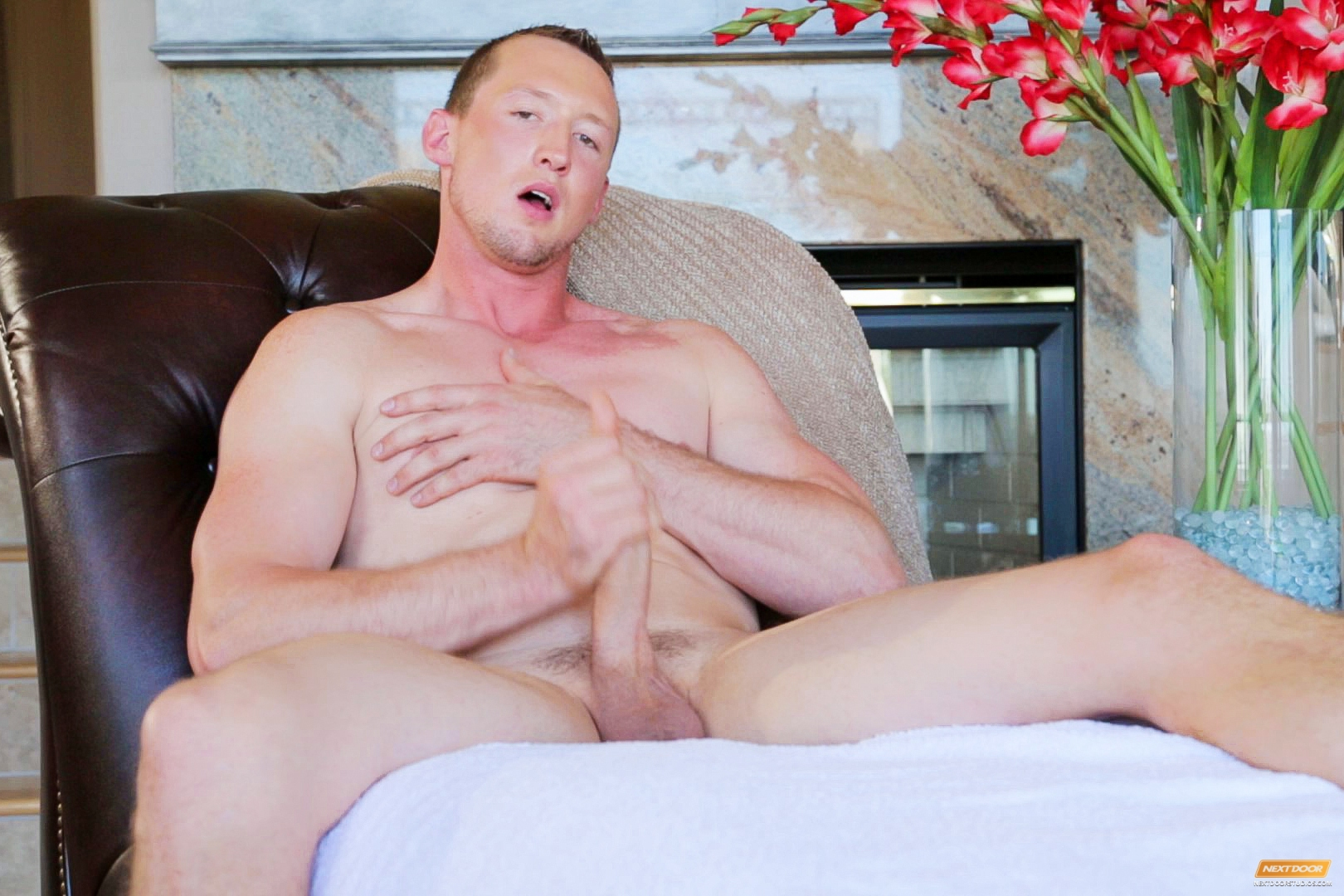 Leo Winston is a sharp-jawed, soft-spoken objectively guy, with a bit of shy hindrance that takes minor extent initial uncovering. Once he opens up, this Montana bred hunk reveals a thoughtful perspective and a nice, big cock to back it up. An eager outdo