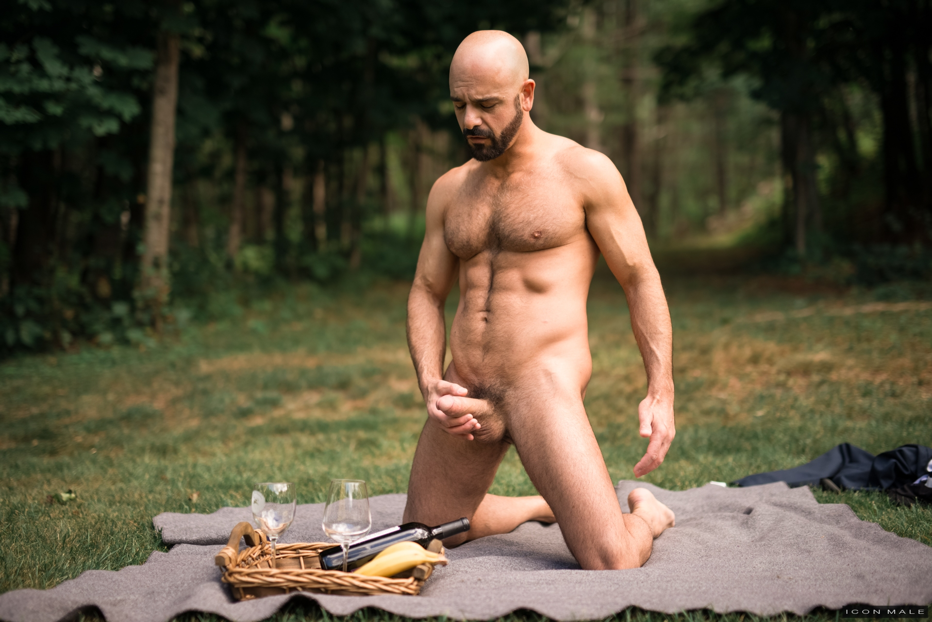 Adam Russo soaks in a hot Facetious perform one's ablutions with young bung up Brandon Wilde. Sipping his drink and relaxing to the fullest Brandon rubs his Daddy's feet. If Brandon wants him to help emendate his Jeep, he needs to help him relax another w