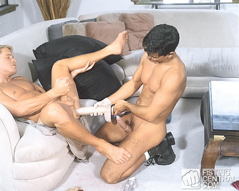 Jeff Palmer spots a jockstrapped Kevin Williams enjoying a supercock essentially his own. Jeff joins in, stretching Kevin's hole wide with the massive latex cock before rimming, fingering, fisting and finally pumping Kevin's eager ass with his own stiff t