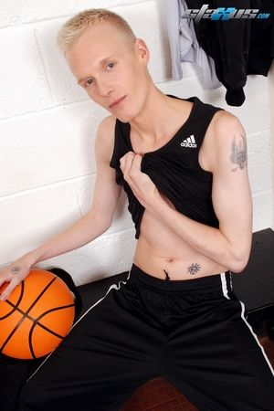 Sportladz: Sporty Boys Are Shaved Primed For A Raw Session Of Hot Jizz!