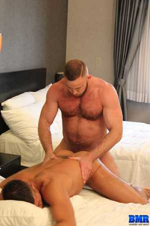Having been fucked by Shay Michaels before, Dylan Saunders couldnt wait to get the shower prevalent him and ambiance his hot beefy body be a match for his and lather up his curved cock prevalent his spit. Dylan knew what a great fuck Shay was and took him