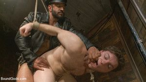 Vinnie Stefano is big, profane and ready to tongue-lashing slave 153s ass