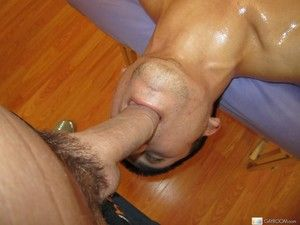 Subreptitious masseur slides a cock inside his relaxed consumer