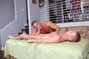Horny dude gets an amazing making love massage