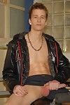 Sportladz: A magnificent overhanging foreskin