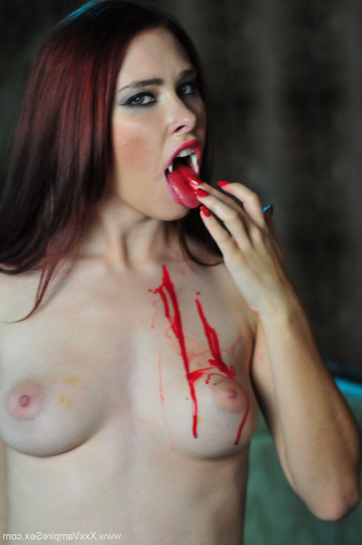 Vintage amateur vampire melody jordan blowing blood