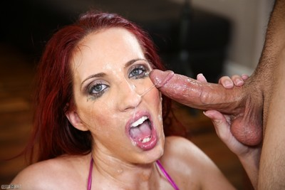 Kelly divine deepthroat oral play with facial
