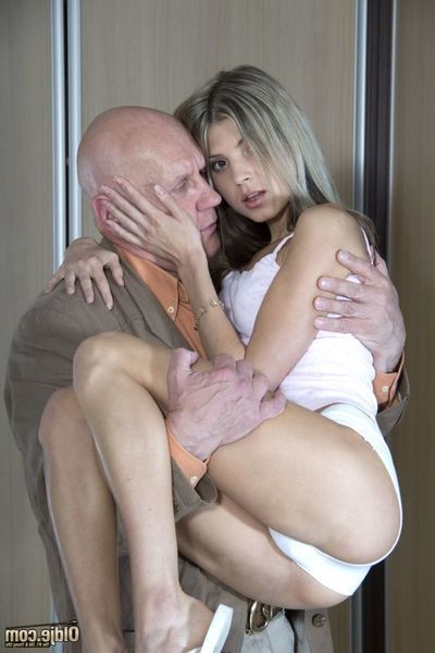 When one is young, we express ourselves throughout art... and when we are old, well love making act is the superlatively good art form. However, we all know that the juvenile and appealing Gina Gerson is a true connoisseur of old wrinkly dick. And art mee