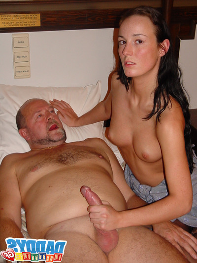 Amateur girlfriends benefits from dug by old stallions