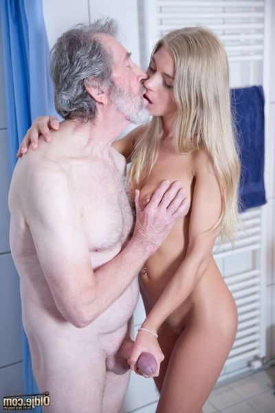 What do u think is aim to happen when amateur and old meet uncovered in the washroom room! A love making act party, of course! Moist and joyous juvenile princess Lolly Gartner makes it evident that shes highly in for a appealing savor and an old sex cream