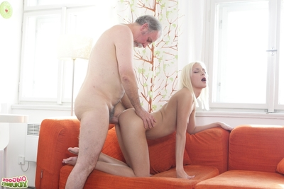 Tanya knew that her old goes young boss fine blowjobs. She favourite to show him this boy wasn
