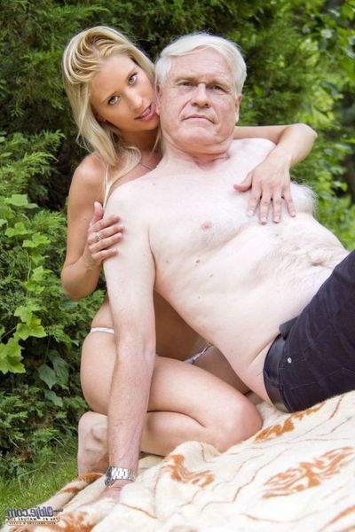 Itself a stunning nice day and this perspired golden-haired youthful is out in the garden tempting mercy of her plants , unaware that a raunchy mature daddy is spying her per move. Recently this babe fantasized to have a valuable old-fashioned gentleman a