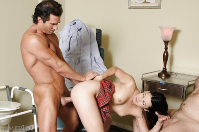 Black-haired Amy Starz is getting double intense ramrods in her wide entrance