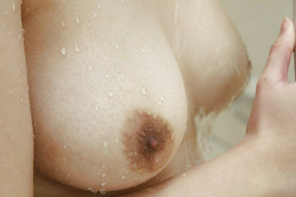Rounded Chinese amateur Honoka Ono jolly shower-room and exposing her trimmed cunt