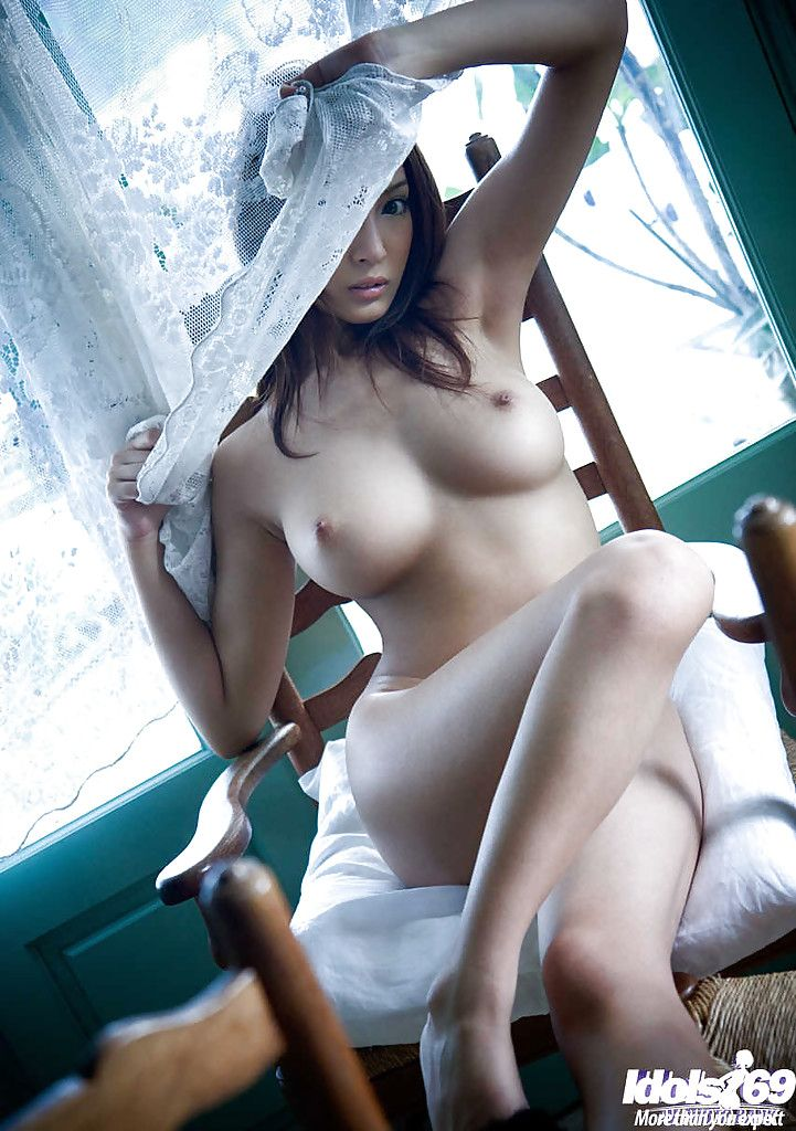 Exquisite Japanese doll with large bosoms Kirara Asuka posing without clothes