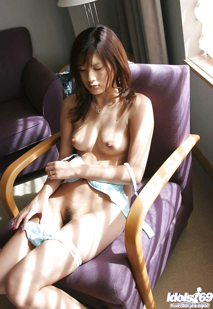 Fascinating Japanese tot Sara Tsukigami uncovering her seductive stoops
