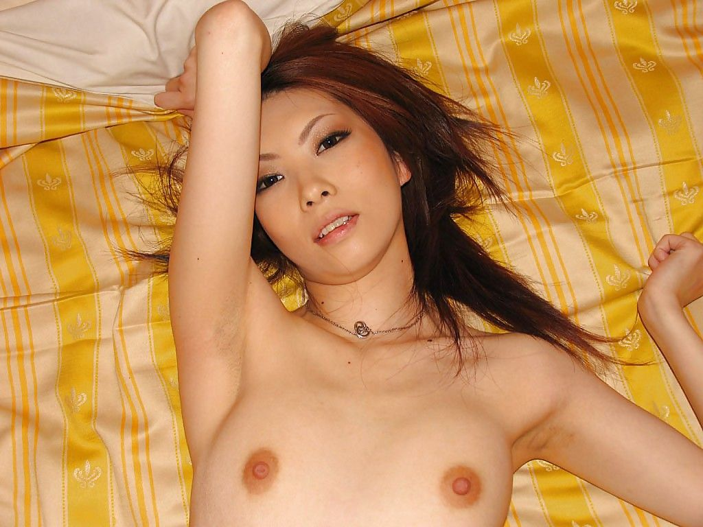 Oriental sugar-plum Nayu Kunii undressing and exposing her undersize bows