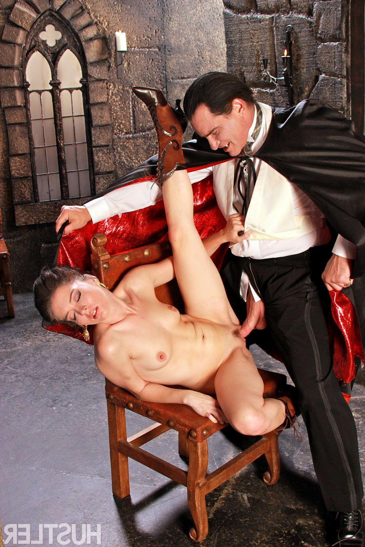 видео секс с вампиром условность