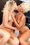 Clammy blondes having female-on-female banging