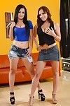 Twofold brunette hair bombitas Katrina and Kayla are undressing per other