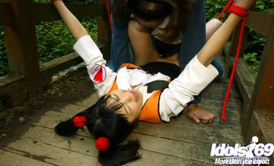 Dutiful asian indulge gets define and roughly fucked outdoor