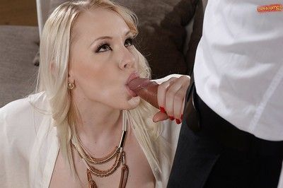 Euro slut Lola Taylor showed that blondes are fun in a threesome