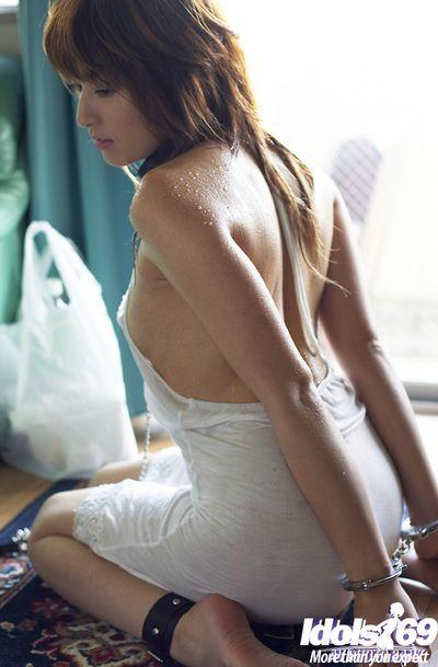Duteous asian babe Karen Kisaragi posing hardly must
