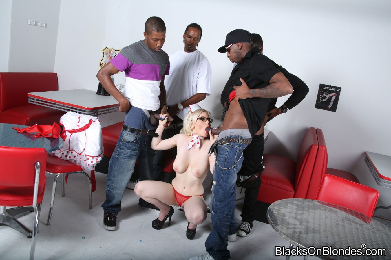 Kristy snow acquires team-banged
