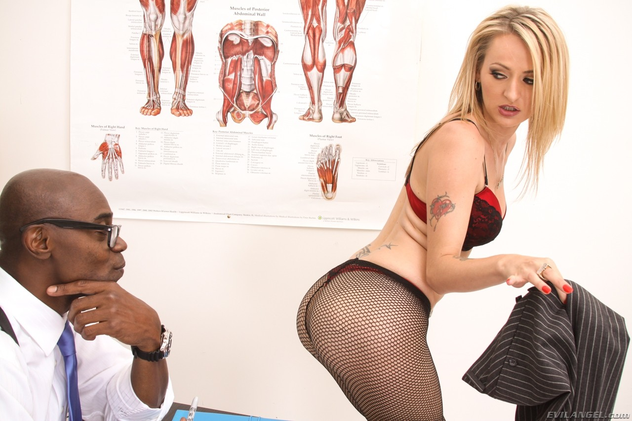 Natasha starr adores anal