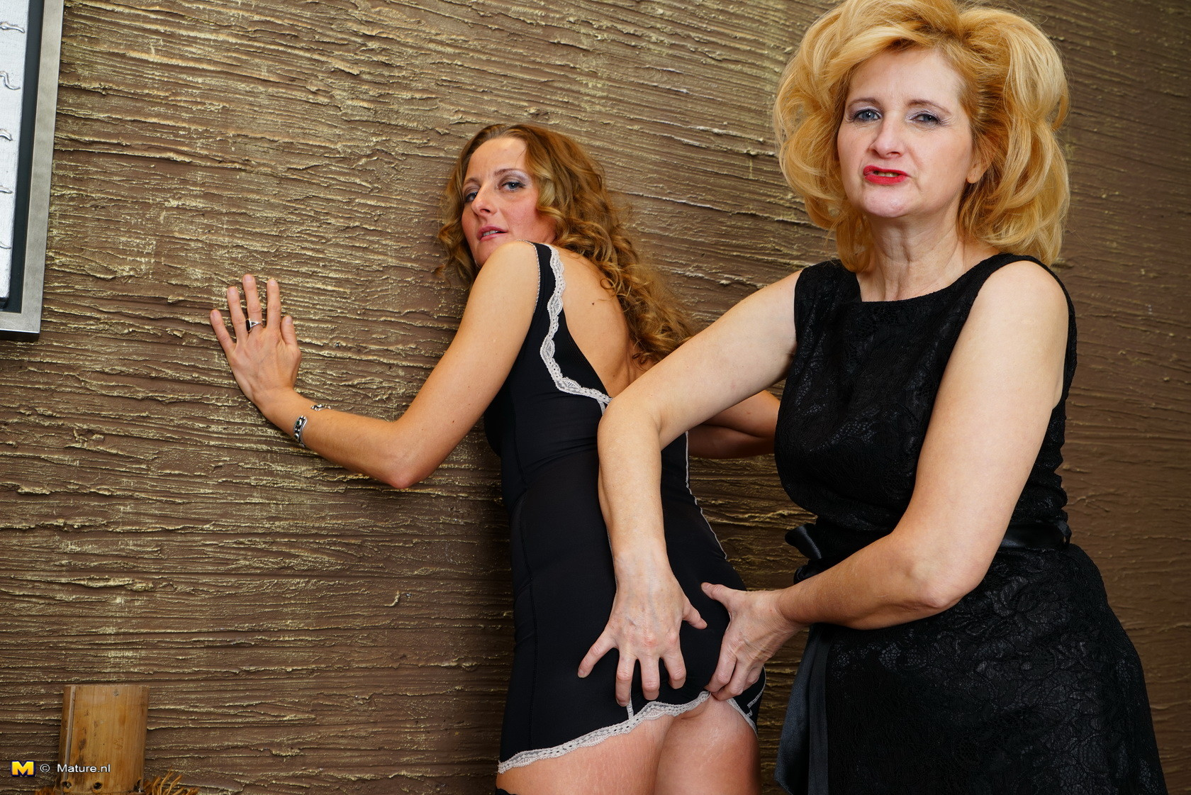 bawdy housewives love to have splendid female-on-female astonishingly