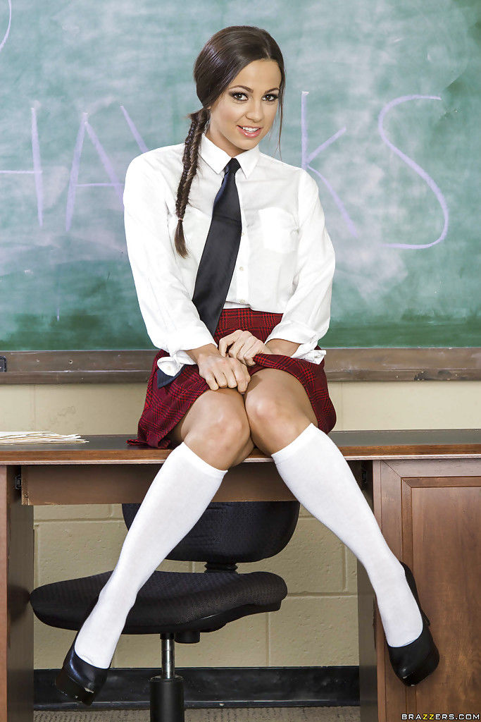 Good schoolgirl with unshaved pubis shows her fucking pretty sleeps with