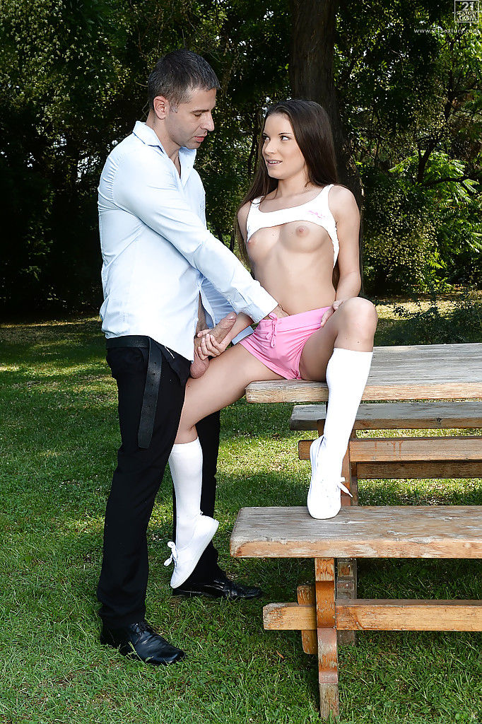 Attractive Italian princess Anita Bellini having smooth on top cum-hole licked in the woods