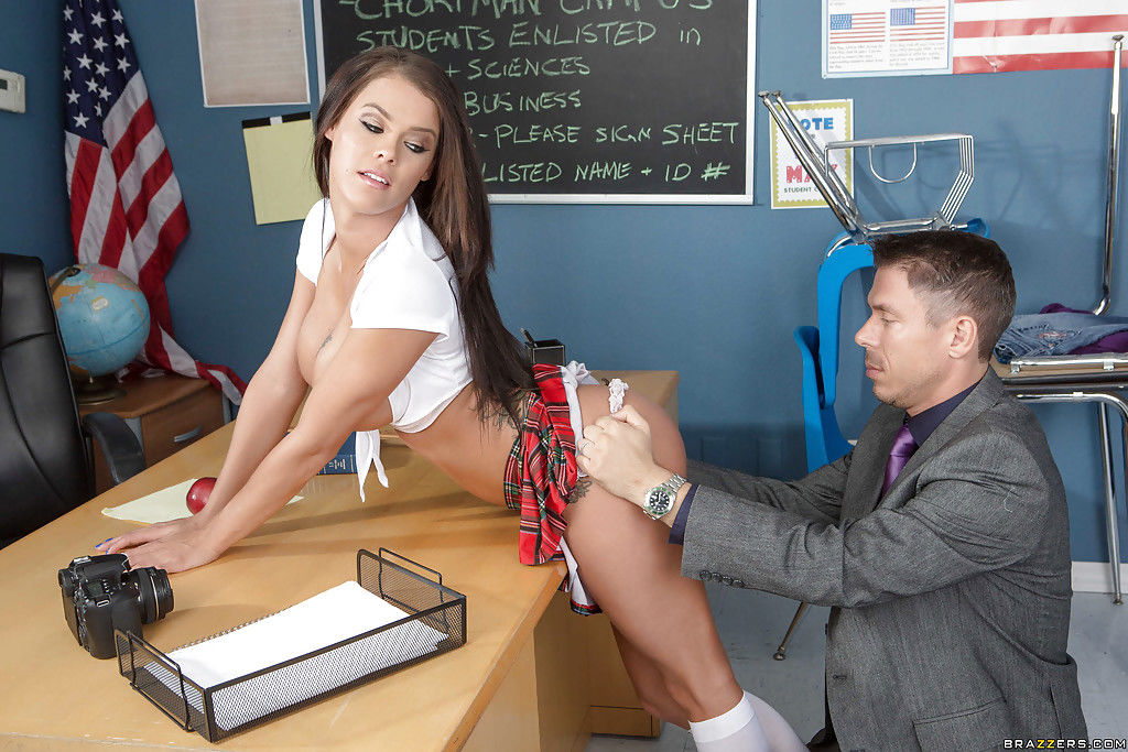 Dark brown schoolgirl Peta Jensen was pounded by her swaggering patriarch