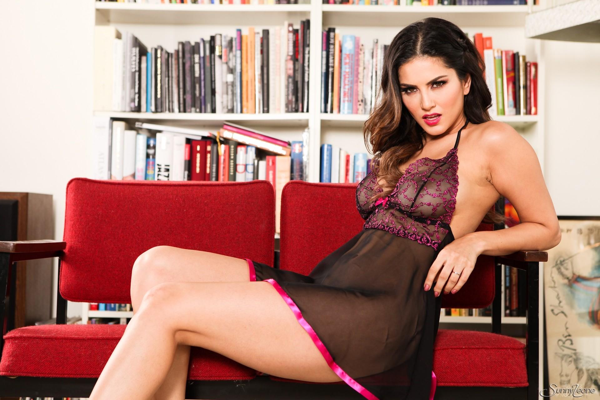 sexy Porno Fotos von Sunny Leone