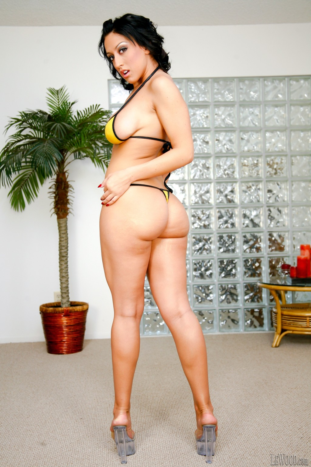 nude Ricki white