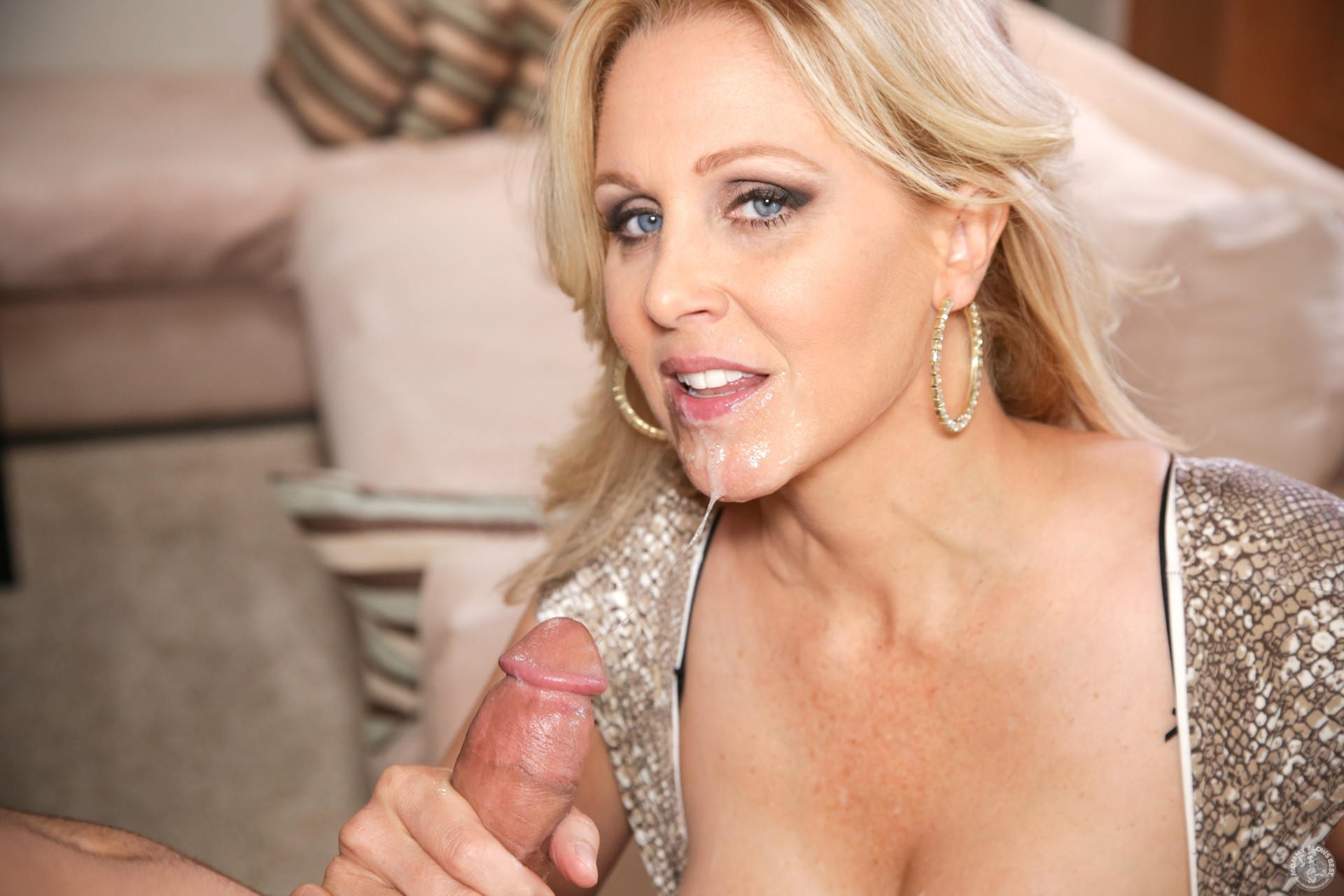 Video juliaann deepthroat