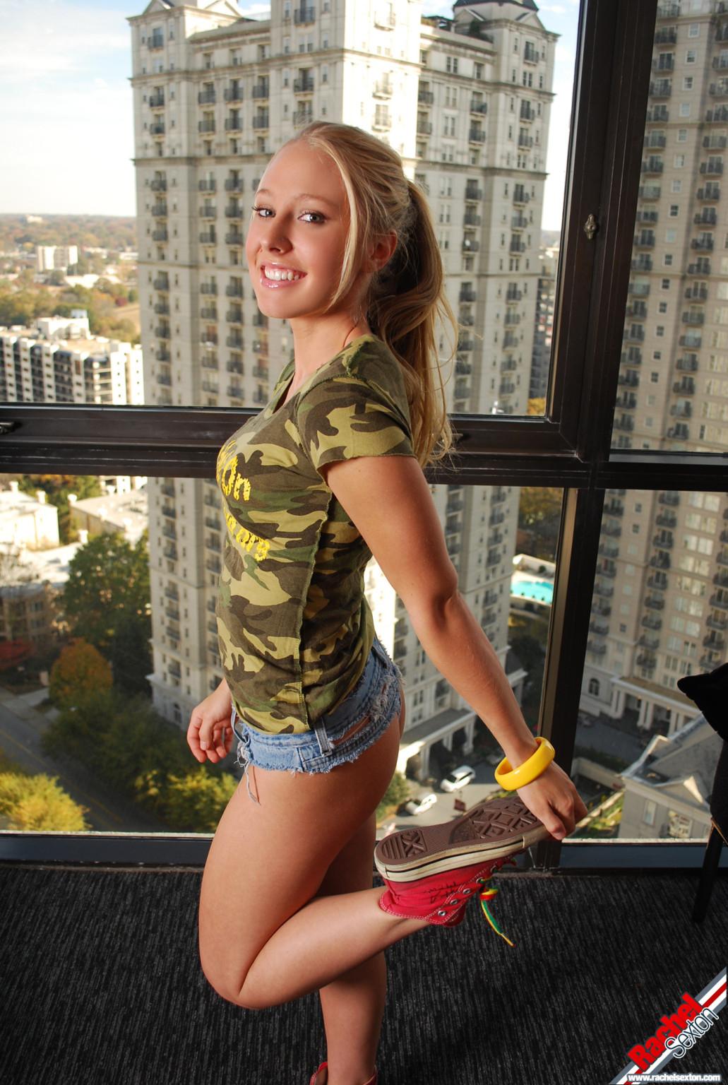 Рейчел Пономарь в маленькая Дейзи придурки в подросток Влагалище Фото