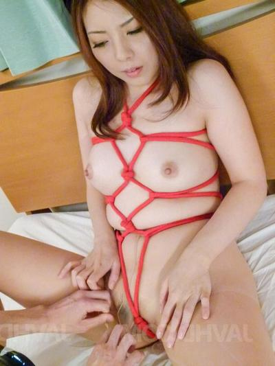 Maki Mizusawa Asian relative to peppery strings gets cum report register sucking penis