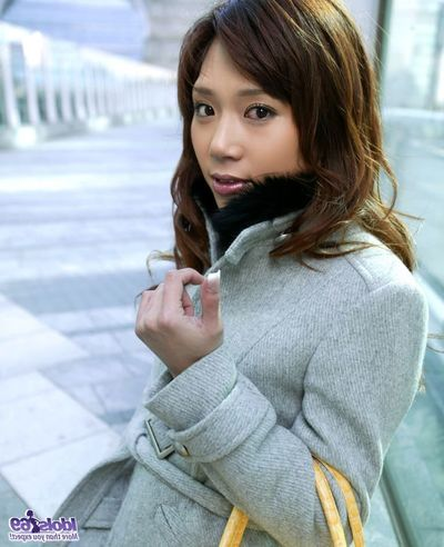 Mariko purchases uncovered and her date is wanking her uterus with a vast tool