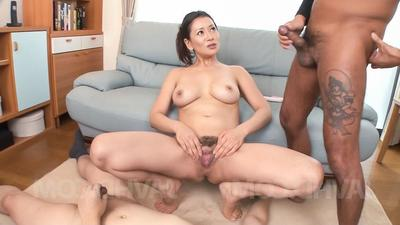 Rei Kitajima arouses ourselves with vibrator and gets flannel on tits